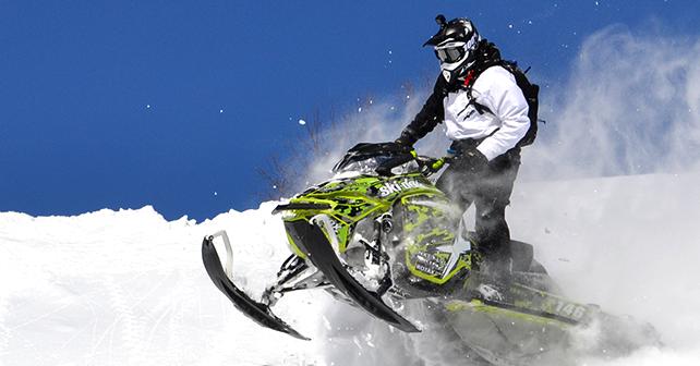 KimpexNews - Test de produit - « Booster Pack » - Photo d'action en motoneige